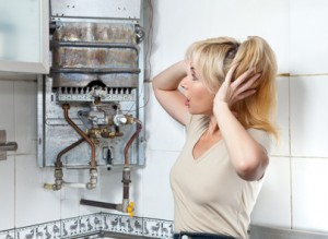 The housewife is upset, the gas water heater has broken..